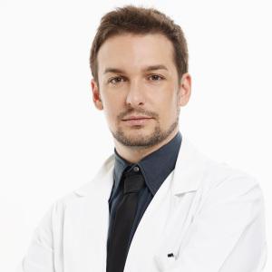 Dr.Jonatann Gatti